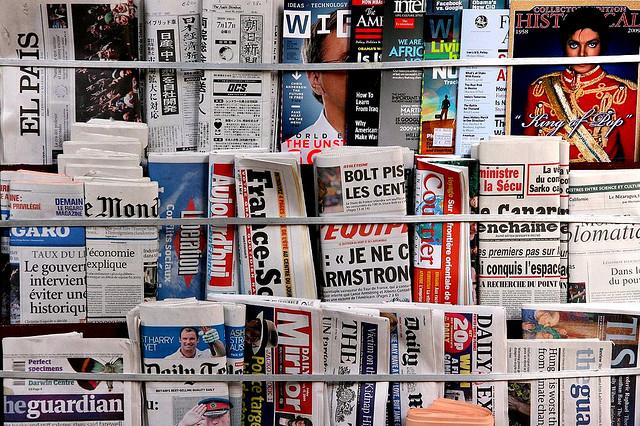 """Résultat de recherche d'images pour """"photo kiosque de presse"""""""