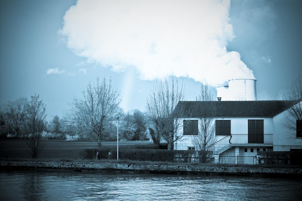 L uranium enrichit la campagne owni news augmented for Belleville sur loire piscine