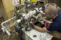 Mark Suppes, l'homme qui fusionne des atomes dans son garage