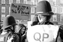 Censure des médias sociaux: éléments pour une sociologie des émeutes britanniques