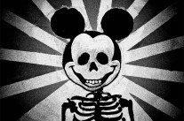 La magie noire de Disneyland Paris